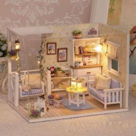 Drewniany domek  dla lalek retro -model do złożenia led