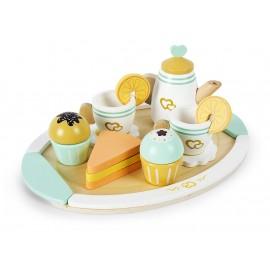 Drewniany serwis do herbaty ze słodkościami