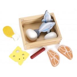 Drewniane ryby i mięso w skrzynce