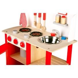 Klasyczna drewniana kuchnia