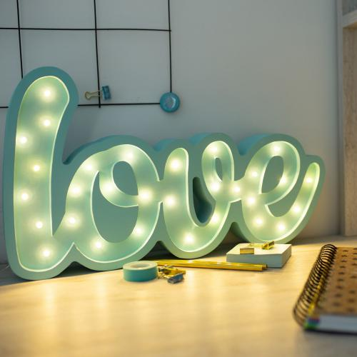 LOVE - drewniana lampa LED Lights My Love